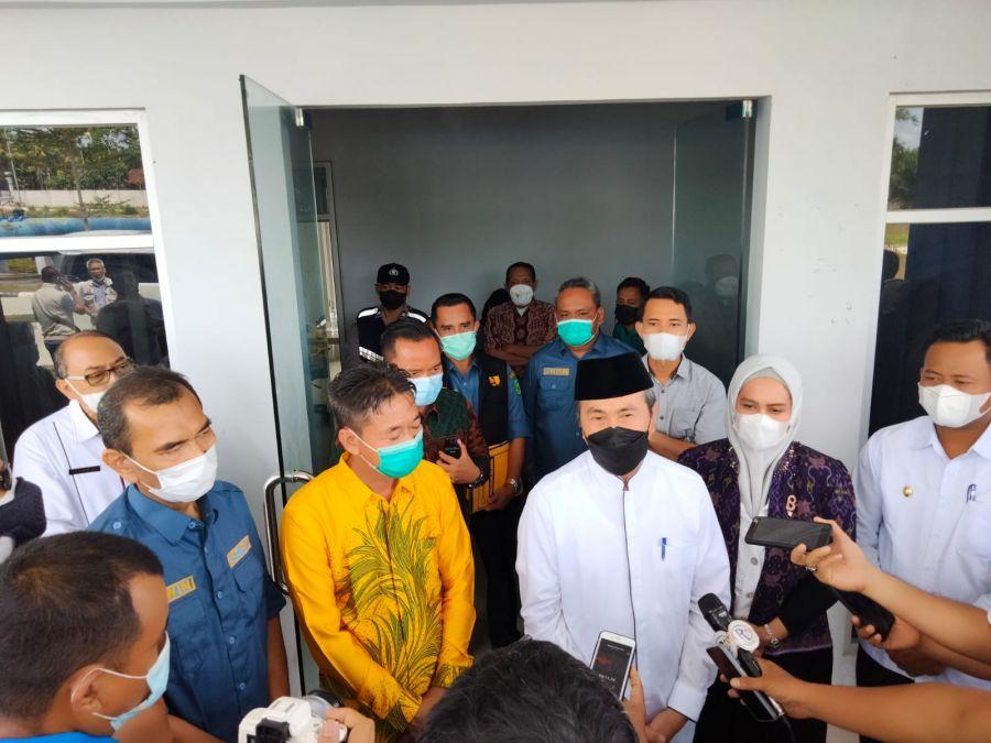 Gubernur Riau Di Dampingi Bupati Dan Wakil Bupati Rohil Tinjau Spam Durolis Di Rohil