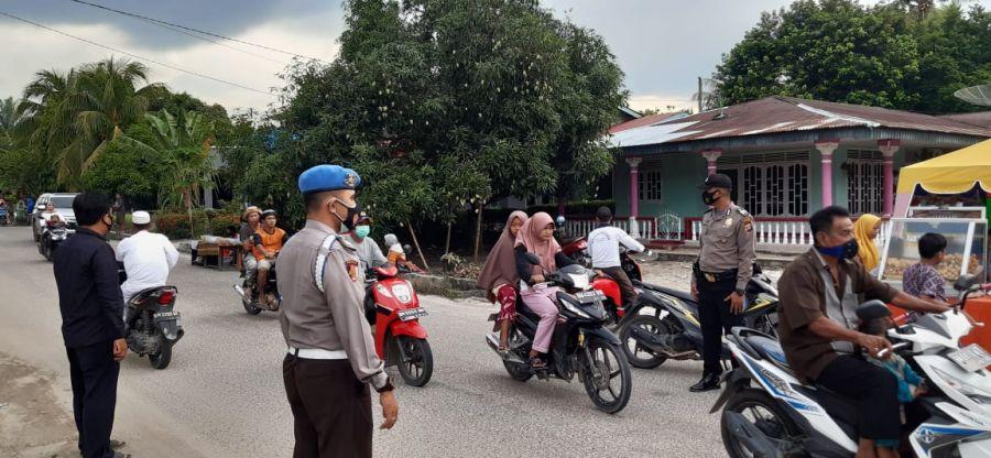 Hadir di Kegiatan Masyarakat Pasar Ramadhan, Polsek TPTM berikan Imbauan