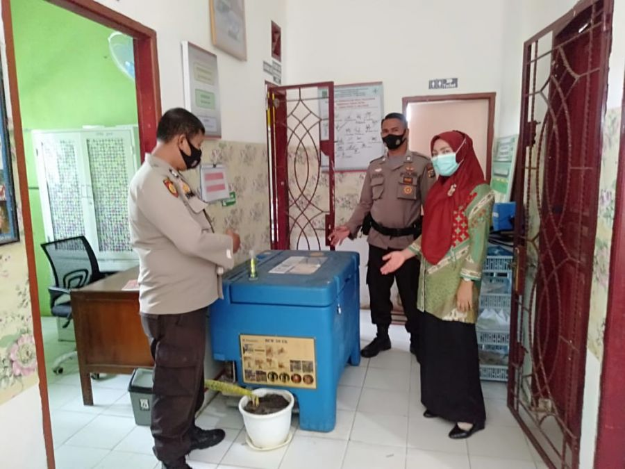 Jaga Keamanan Vaksin Sinovac Covid-19, Polsek TPTM Rohil Giat Patroli Ke Pusekesmas Tanah Putih Tanjung Melawan