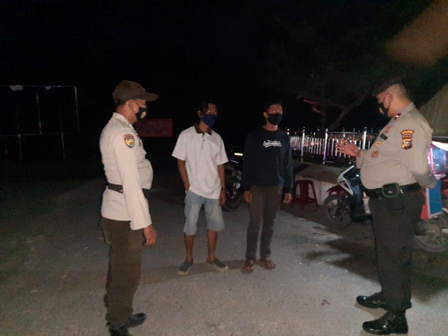 Patroli Dialogis, Polsek TPTM Sampaikan Himbauan Kamtibmas dan Ingatkan Warga Tentang Prokes
