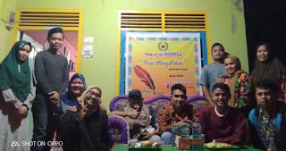 Peringati HPI, Komunitas Tepak Sirih Gelar Baca Puisi Secara Sederhana