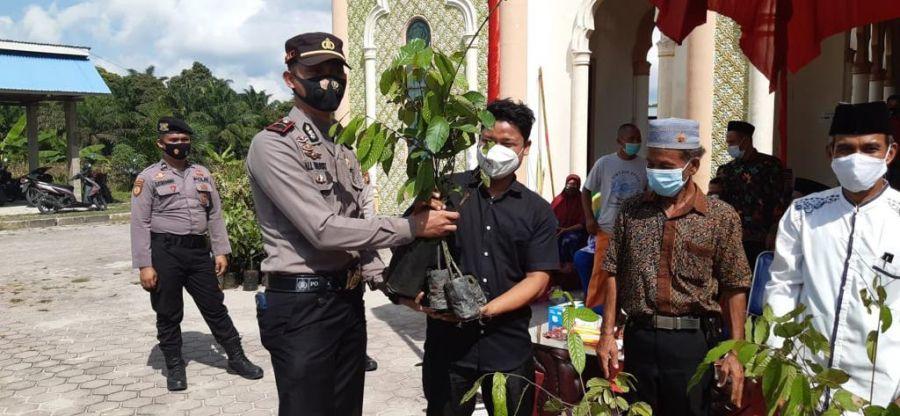 Polres Rohil Lakukan Bakti Sosial dan Penanaman 550 Pohon Trambesi