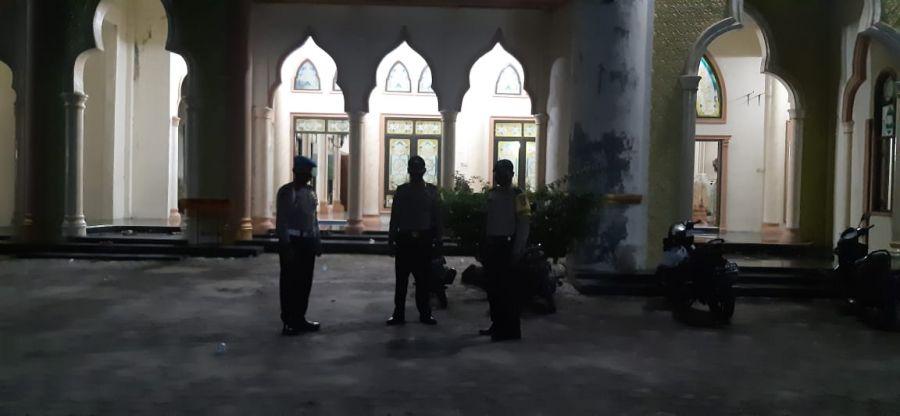 Polsek TPTM Laksanakan Patroli dan Pengamanan di Masjid  Saat Ibadah Sholat Terawih