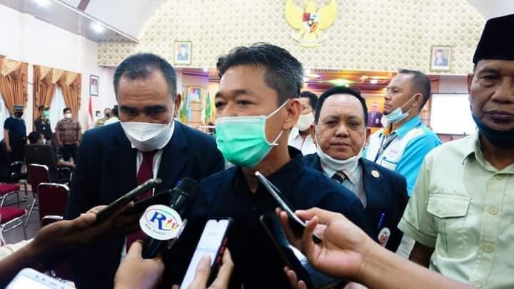 Tanggap Keluhan Masyarakat, Bupati Rohil Wajibkan Semua Pejabat Gunakan Medsos