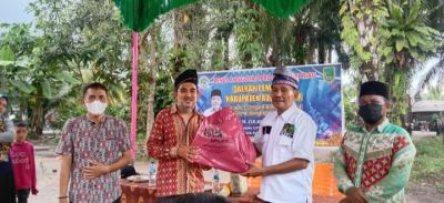 BRCN TPTM Mendapat Bantuan Baju Dari Zulkifli Indra SH.Anggota DPRD Provinsi Riau