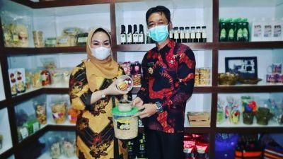 Bupati Rohil Ajak Promosikan Produk Lokal di Media Sosial