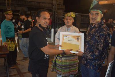 Rahmat Pantun juara 3 lomba Berbalas pantun Di Bagan Siapi-api